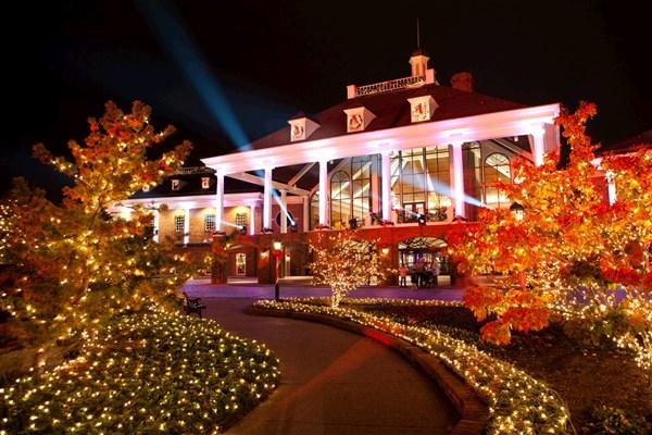 Nashville Christmas at Opryland - Van Galder Tour & Travel ...