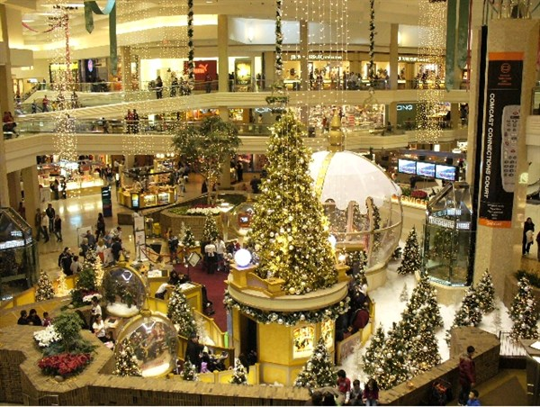Woodfield Holiday Shopping 2020